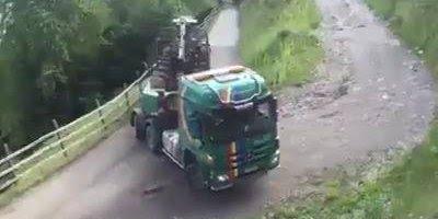 Caminhoneiro faz manobra radical, esse entende de caminhão!