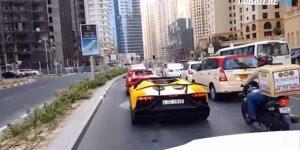 Esse mito conseguiu por fogo em sua Lamborghini, destruindo-a por completo!