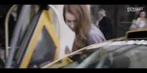 O táxi mais rápido e radical do mundo, assista o vídeo e veja se você concorda!