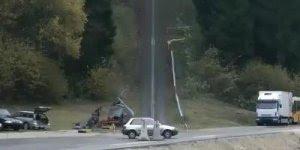 Video de carro mostrando como é o momento de uma batida de carro a 200 km/h!