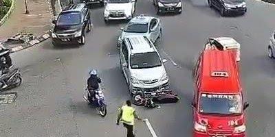Acidente de moto mais bizarro que você verá hoje, o socorro é assustador!