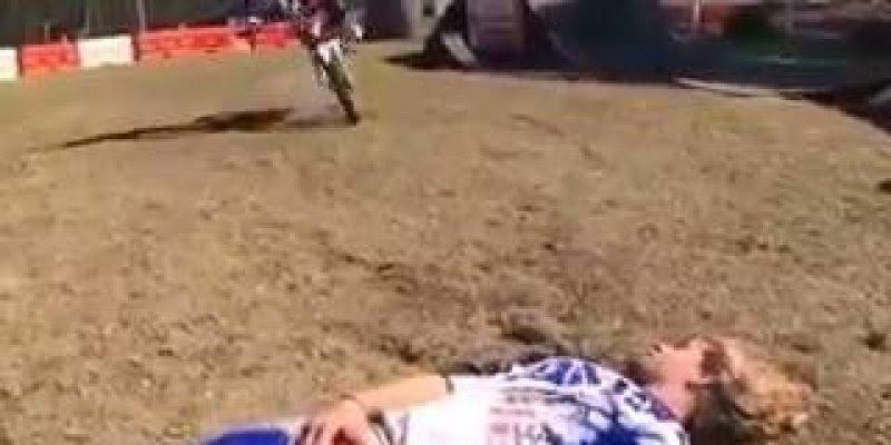 Descubra o motivo de você não deixar seu amigo ter uma moto kkk!