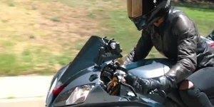 Mulheres quando resolvem pilotar motos, elas são as melhores!