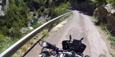 Passeio de moto na Espanha, veja que lindas paisagens do Canyon de Anisclo!