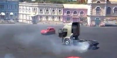 Show de motos,carros e até um caminhão, vale a pena conferir!