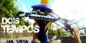 Câmera de capacete registra exato momento da queda do motociclista!
