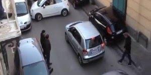 Como parar o trânsito na hora de estacionar, não dá nem para entender!