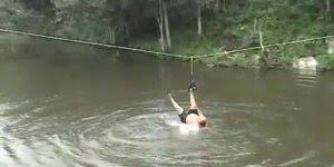 Homem quase morre afogado após saltar em uma tirolesa, confira!