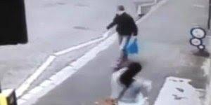 Se for caminhar na rua, olhe para frente se não vai se dar mal hahaha!