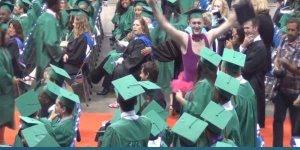 Tombos mais engraçados na hora de pegar o diploma, confira!!!