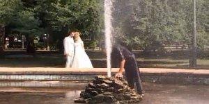 Veja só o que esse cara aprontou com esses noivos, é muita sacanagem!!!