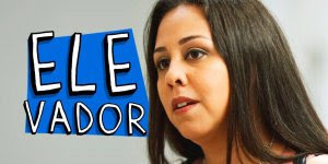 Briga de mulher na porta do elevador, um video de humor para rir muito!