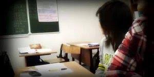 Como conquistar uma colega de classe, não tem erro hahaha!!!