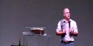 Pastor Claudio Duarte pregando, veja o que ele fala para o marido fazer kkk!