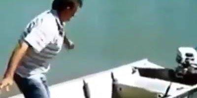Pescador e a musica de Luan Santana Escreve ai, kkk muito engraçado!