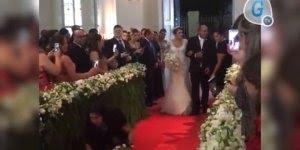 Quando os convidados querem chamar mais atenção que os noivos em casamento!