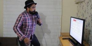 Tentando cantar uma musica de uma dupla de cantores sertaneja!