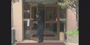 Pegadinha da porta invisível, para dar boas risadas kkk, confira!