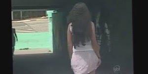 Pegadinha do jato de ar, a mulherada de saia tem que tomar cuidado kkk!