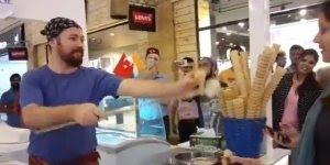 Pegadinha do sorvete, veja que engraçado os truques que esse sorveteiro faz!