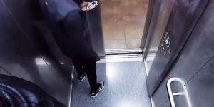 Pegadinha no elevador, imagina o susto dessas pessoas, confira!