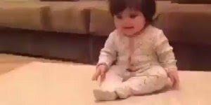 Bebê brincando de escorrega - Tem coisa mais fofa que bebês?