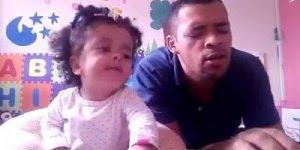 Bebê cantando musica para Jesus, que coisa linda, ela nem fala direito ainda!