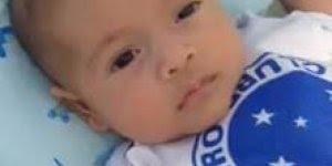 Bebê com camiseta do Cruzeiro, papai já esta fazendo torcer pro time certo!!!