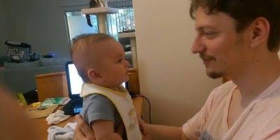 Bebê falando I Love You, olha só o espanto do papai, e muito fofinho!!!