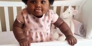 Bebê negra e sua beleza surreal, veja como ela é linda e fofa!