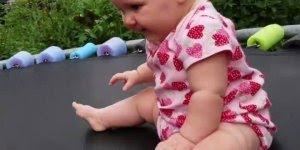 Bebês com as reações mais fofas que você vai ver hoje, olha só estes lindinhos!