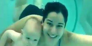 Bebês nadando, olha só o mergulho destes pequeninos, muito lindo!!!