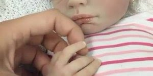 Boneca que se parece com bebê de verdade, para quem ama bonecas!!!
