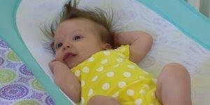 Vídeo mostrando rede para bebês que simula sensação de estar no útero!