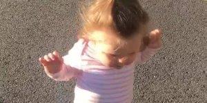Bebê aprendendo a andar, como é lindinha esta faze, vale a pena conferir!!!