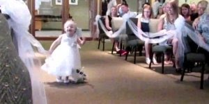 Coisas que só as crianças fazem em casamentos, para rir muito e compartilhar!
