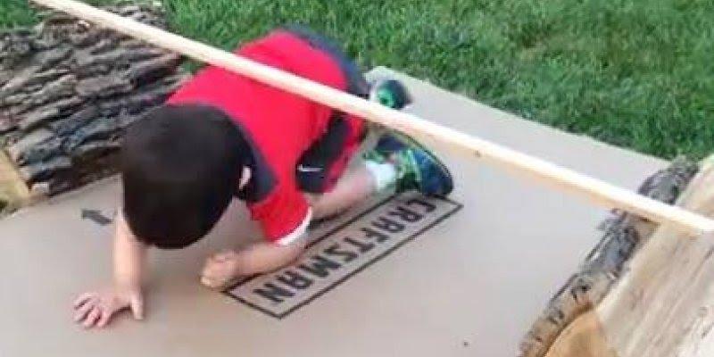 Criança treinando para as olimpíadas, muito fofinho, confira!