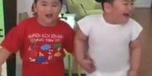 Crianças caem de aparelhos que treme de tanto dar risadas, confira!