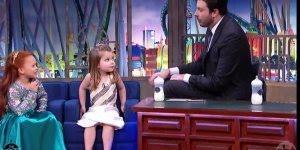 Crianças em programa de TV onde as crianças falam de irmão!