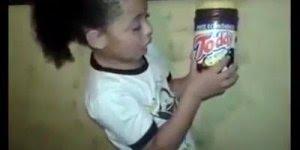 Crianças soletrando as palavras, tente não rir com este vídeo!!!