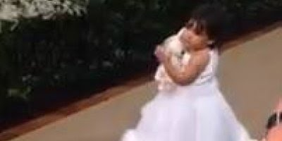 Dama de Honra rouba cena em casamento, confira a fofura!!!