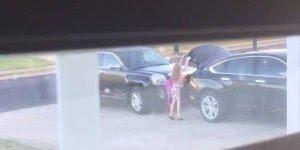 Pai pregando peça na filha, olha só a reação dela, muito fofa!!!