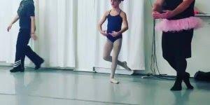 Pais participam de dança de balé, pai é o melhor que se pode ter!