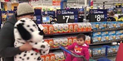 Porque supermercado não é lugar de criança? Veja a resposta no video!