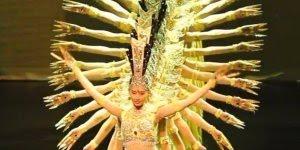 Apresentação da lindíssima Dança da Deusa dos Mil braços, veja o sincronismo!!!