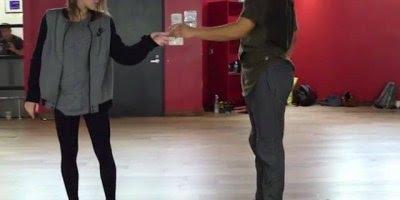 Casal em apresentação de dança, diferente e muito legal, confira!