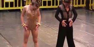 Dança de salão representada por dois lindinhos, olha que talento!!!