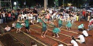 Dança do Bambu faz muito sucesso em cidade no interior de São Paulo!
