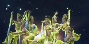 Dança Tailandesa, umas das danças mais bonitas do mundo ocidental!!!