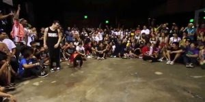 Duelo de dança de um garotinho e dançarino, olha só que fera esse vídeo!!!